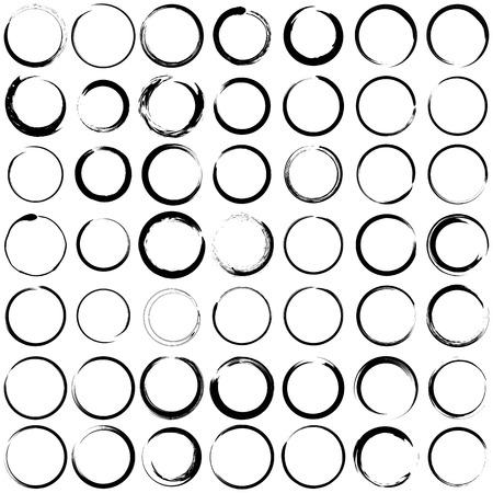 Set van grungecirkel penseelstreken voor frames.