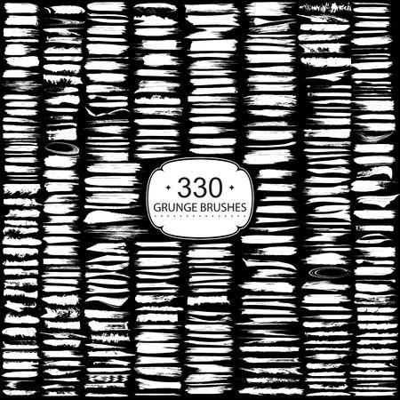 Grote set van 330 verschillende grunge penseelstreken.