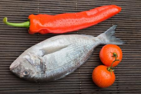 fisch eis: Frischer Fisch Eis dorado beliebten Mittelmeer-Fische aus alten Zeiten