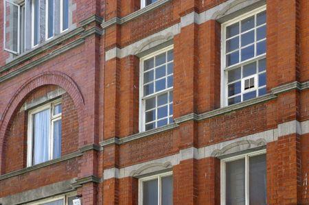 architectonic: Windows en architectonische details van een gebouw in Ierland