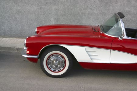 Classical   Corvette red and white r photo