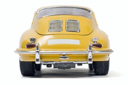 Gelbe klassischen Sportwagen Spielzeug  Standard-Bild - 1868741
