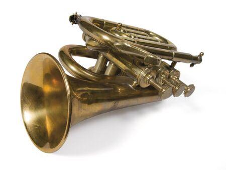 Messing kurze Trompete isolated on White.  Standard-Bild - 2739303