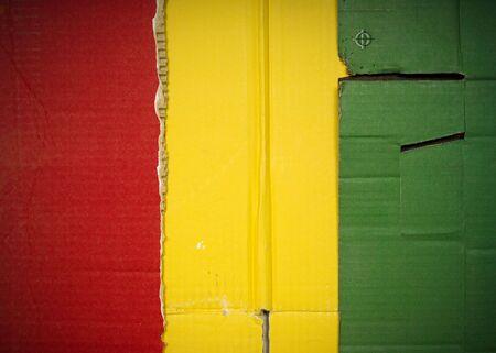 Flagge von Guinea aus Wellpappe Standard-Bild - 5119064