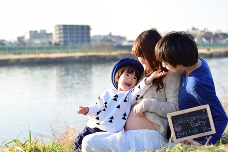 Jong gezin nemen foto