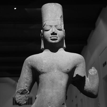 cambodia sculpture: Ancient stone statue