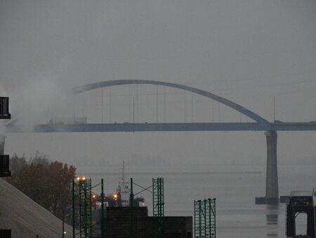 large blue bridge Banco de Imagens