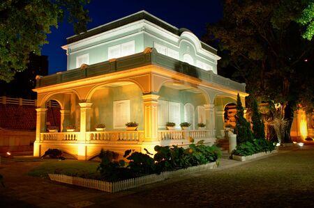 casa colonial: Escena nocturna, la casa colonial en las Casas-Museo en la isla de Taipa, Macao