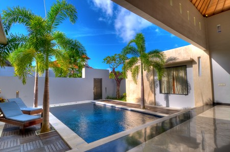 Villa with swimming pool and relaxation bed