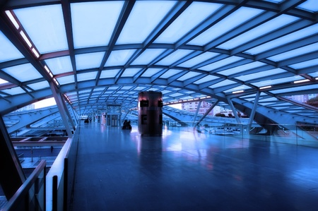 overbridge: The design architecture of modern train (subway) station Editorial