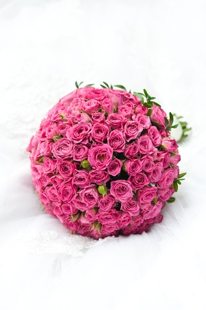 wedding bouquet: bouquet of pink roses