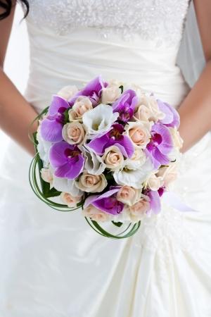 bridal dress: bouquet di orchidee Archivio Fotografico