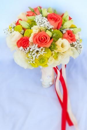 boda ramo de flores y vestido de novia