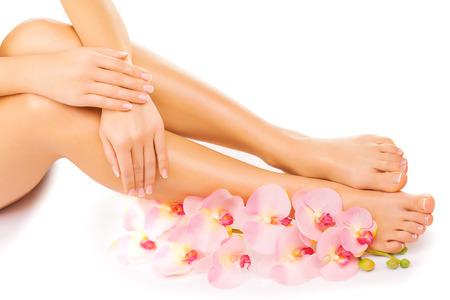 pedicura: manicura y pedicura con una flor rosa orqu�dea