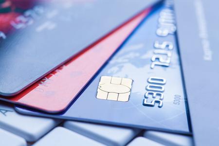 credit card: macro disparó con tarjetas de crédito.