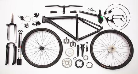 自転車部品の静止画、白地に装備