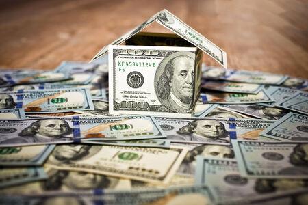 investment real state: Casa hecha de dinero en efectivo