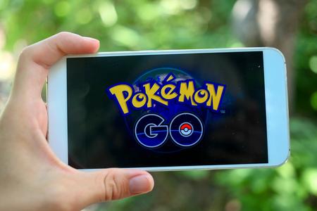 Krasnodar, Rusland - juli 26,2016: Pokemon Go is een location-based augmented reality mobiele spel.