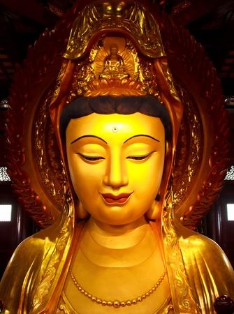 Guan Yin Statue wunderbare Standard-Bild - 12157198