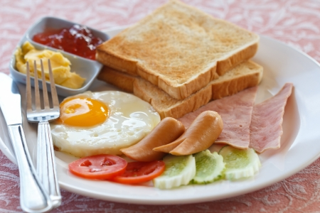 The western breakfast of eggs and meat Stock Photo - 14947749