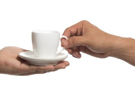 Schnappen Sie sich eine Tasse Kaffee auf der anderen Seite. Standard-Bild - 17710322
