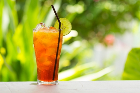 glass of ice tea with lemon