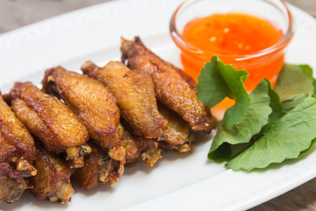 fried chicken wings: Fried Chicken Wings with Curry Sauce