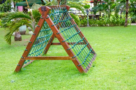 Por supuesto cuerda en el patio de recreo Foto de archivo - 34396146