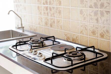 estufa de gas de cocina en la cocina Foto de archivo