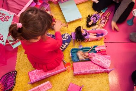 MILANO, ITALIA - 22 novembre bambole Barbie a G Come Giocare, la fiera dedicata ai giochi, giocattoli e bambini su 22 nov 2013 a Milano