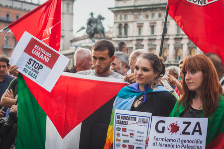 middle east crisis: MILAN, ITALY - JULY 30: People protest against Gaza strip bombing in solidarity with Palestinians on JULY 30, 2014 in Milan.