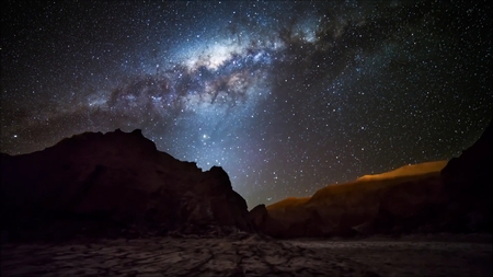 star trail and milky way in Atacama desert Chile Stockfoto