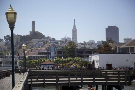 Skyline van San Francisco van Pier 39, Verenigde Staten