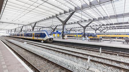 rotterdam: Trains at Rotterdam Central Station