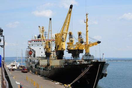 Verladung von Containern im Hafen Odessa