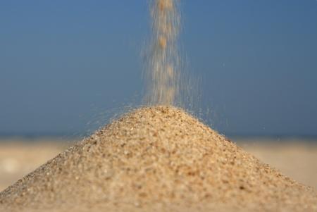 Aufgelockert Sand gegen das Meer