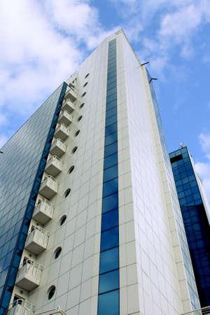 reflexion: Sky reflexi�n en ventanas de los rascacielos
