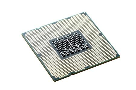 Der Prozessor Intel close up auf wei�em