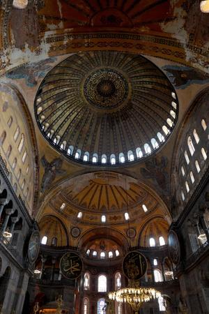 Hagia Sofia (Santa Sofia), auch genannt Ayasofya, wie eine Kathedrale von Justinian I. im sechsten Jahrhundert erbaut und in eine Moschee in der osmanischen Zeit