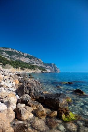 Schöne Aussicht auf die Mittelmeerküste. Lizenzfreie Bilder