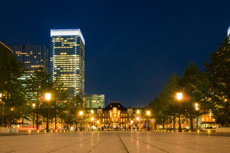 lightup: Night view of Tokyo station