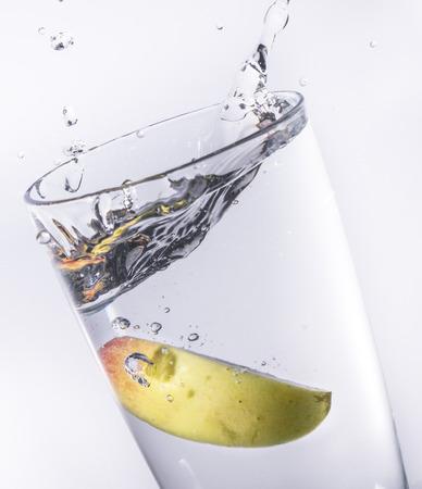 manzana agua: Apple Water Splash Foto de archivo