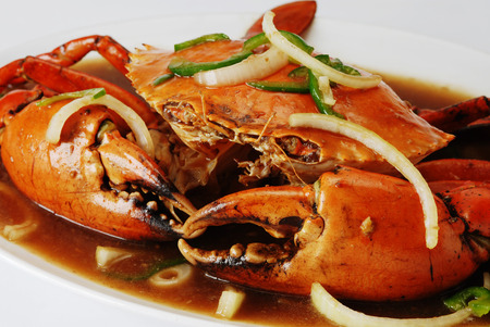 Stir fry crab with onion and oyster sauce