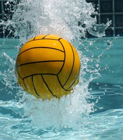 waterpolo: Water Polo Ball Stockfoto