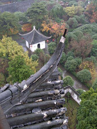 uitzicht vanuit de Chinese Pagoda over tempel gronden Stockfoto