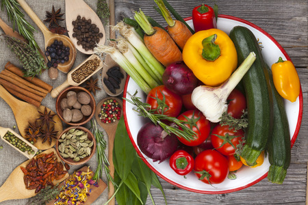 Colorful fresh vegetables in the bowl Standard-Bild