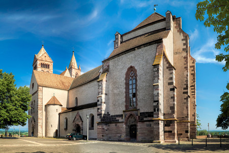 saint stephen cathedral: Panorama of Stephans Cathedral in front of bright blue sky in Breisach on the Upper Rhine in Baden-W�rttemberg Stock Photo