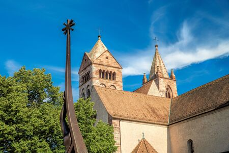 saint stephen cathedral: Views of the Stephans Cathedral in front of bright blue sky in Breisach on the Upper Rhine in Baden-Württemberg Stock Photo