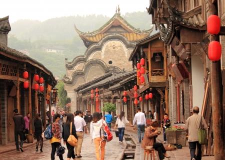 Chengdu China - mei 03,2012, Toeristen genieten van een wandeling in het oude Hakka stad, Luodai Chengdu China Redactioneel