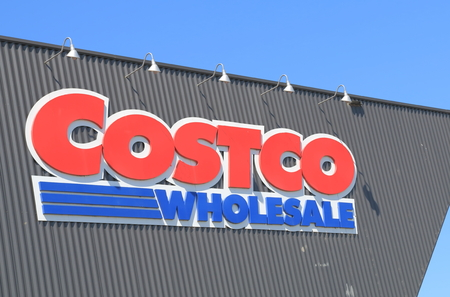 Melbourne Australia - December 13, 2014: Costco, American membership-only warehouse club and is the third largest in the world. 報道画像